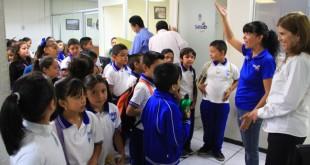 Conocen-estudiantes-de-primaria-la-Presidencia-Municipal-5-862x575