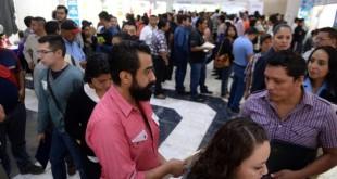 Inaugura-Isidro-Cuarta-Feria-de-Empleo-en-Saltillo4-862x576