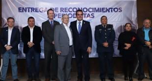 ENTREGA DE RECONOCIMIENTOS A PERIODISTAS (4)