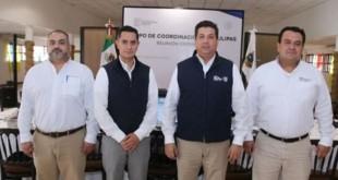 Alejandro Mendoza López, titular de la Coordinación Estatal Antisecuestro primero de derecha a izquierda